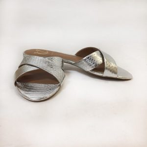 Signature By Vince Camuto Slides Preview View