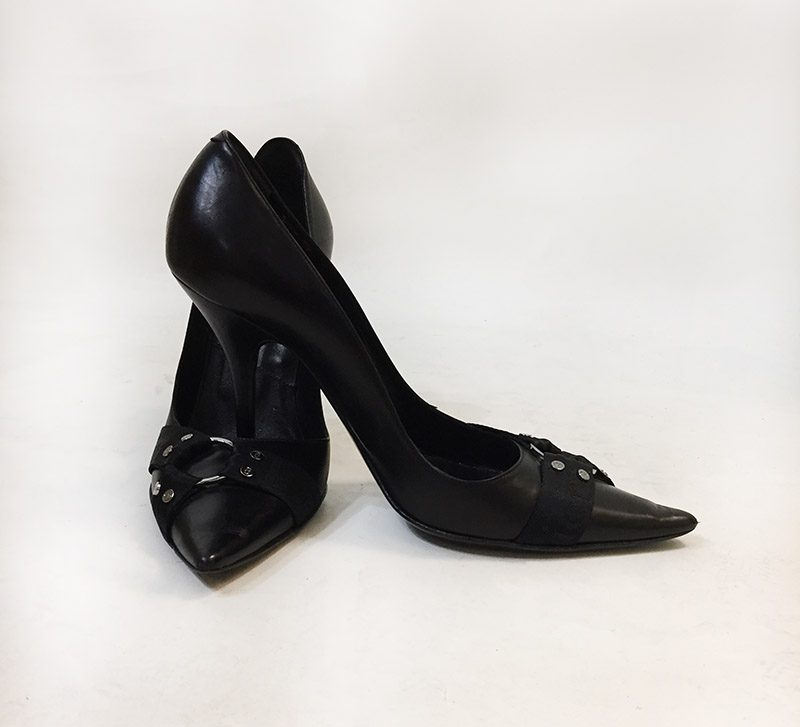 Christian Dior Pointed Toe Pumps