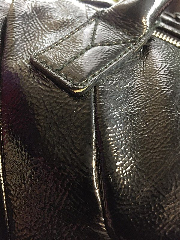Yves Saint Laurent Easy Bag Close Up Fray View 2